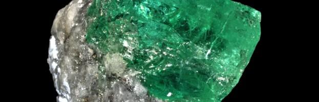 Bijou : La signification des pierres précieuses