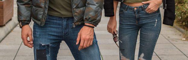 Le jean déchiré street wear : une tendance qui revient en force